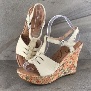 Born Rebecka Wedge Sandals Size 8